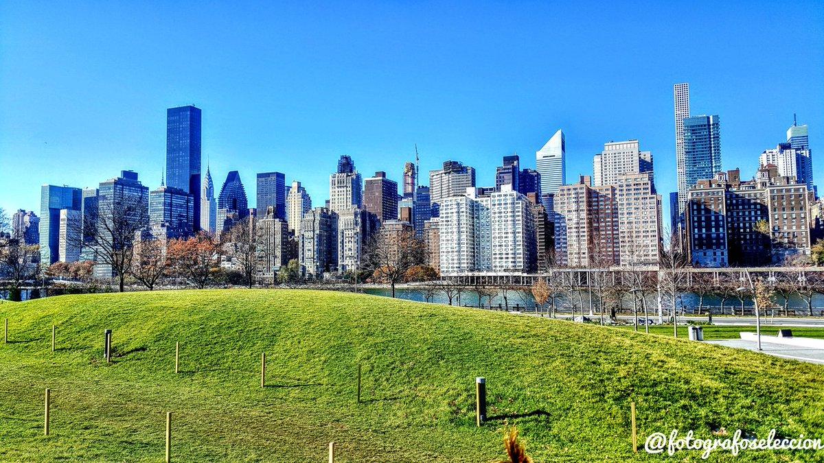 '' Welcome to the Jungle''  (foto desde Samsung Galaxy S6) @SamsungEspana  #samsunggalaxys6 #newyork #newyorkcity #nyc #newyorker #newyorklife #newyork_ig #newyorkstyle #newyorknewyork #manhattan #newyork_instagram #ny #newyorkfashion #newyorkstate #newyorkartist #newyorkerspic.twitter.com/47U3uDvXH1