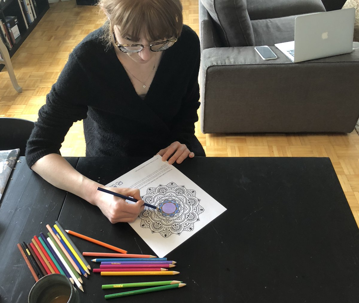 Many #mentalhealth professionals recommend colouring as a good way to practice mindfulness. Download the #BellLetsTalk mandala colouring sheet and other tools to promote mental health in our toolkit: https://t.co/ffqyORwJEP Let's get through this together. https://t.co/WxLXygB9zo