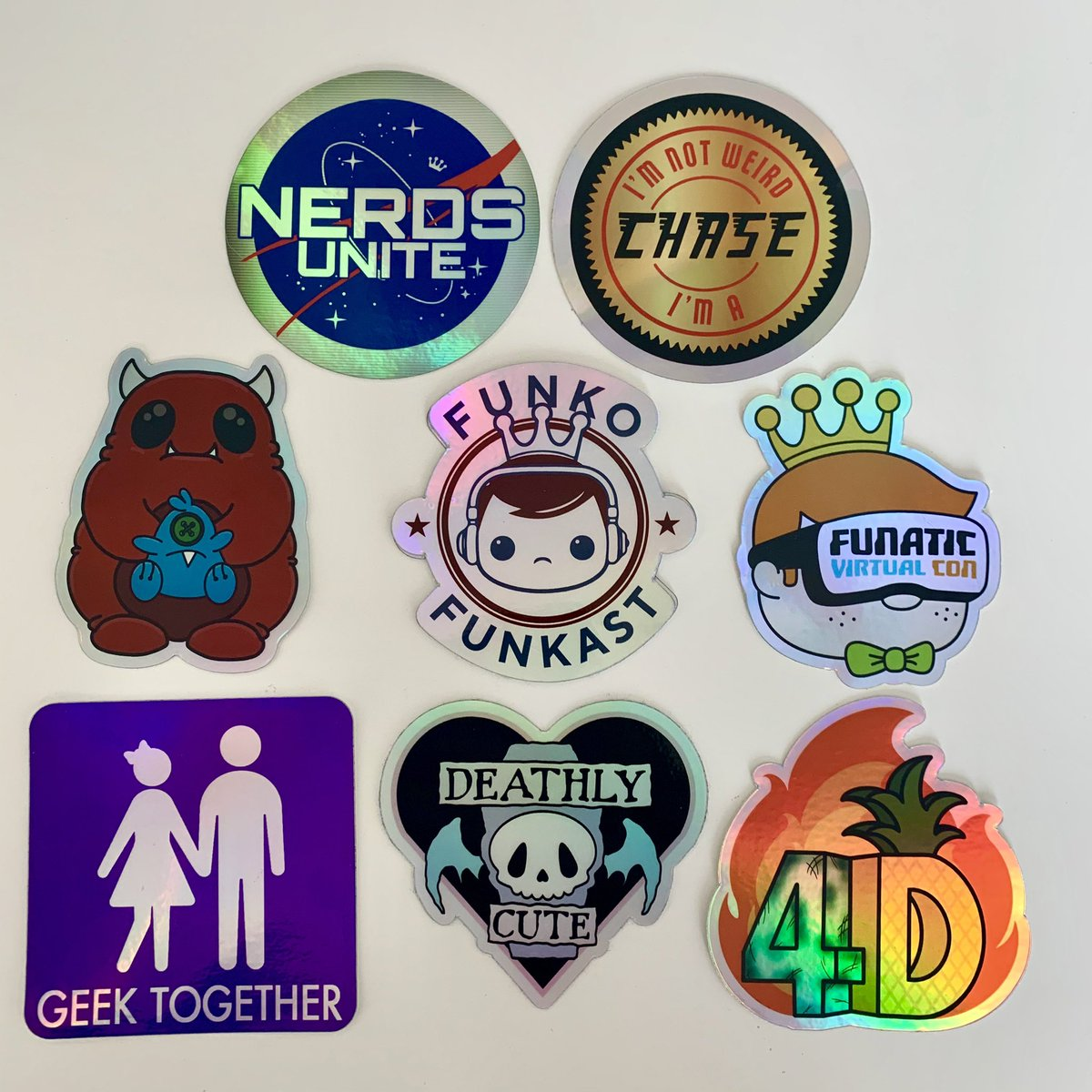 Those @stickermule #HolographicStickers are so hot right now... pic.twitter.com/iv9xTG5RBU