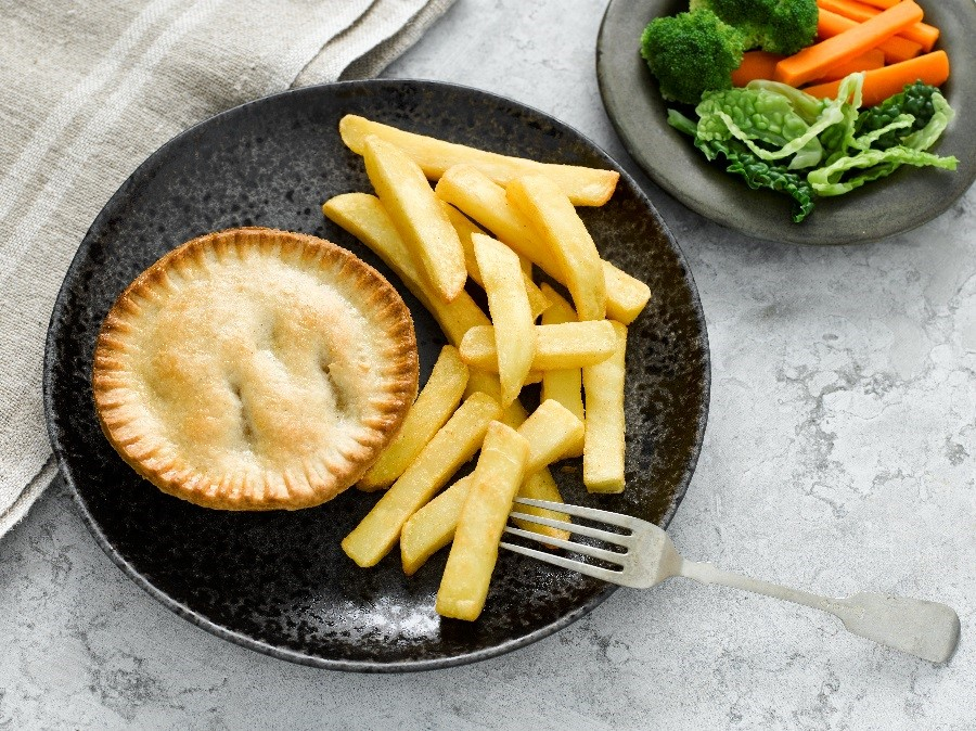 ⚠ This is your 48 hour warning! ⚠ Veggies and vegans, its your final chance to tell us why you deserve a spot on our Pie Panel as a Meat Free Taster! Dont miss out! Email 250 words to piepanel@hollandspies.co.uk! T&Cs here: bit.ly/2WJrf5t