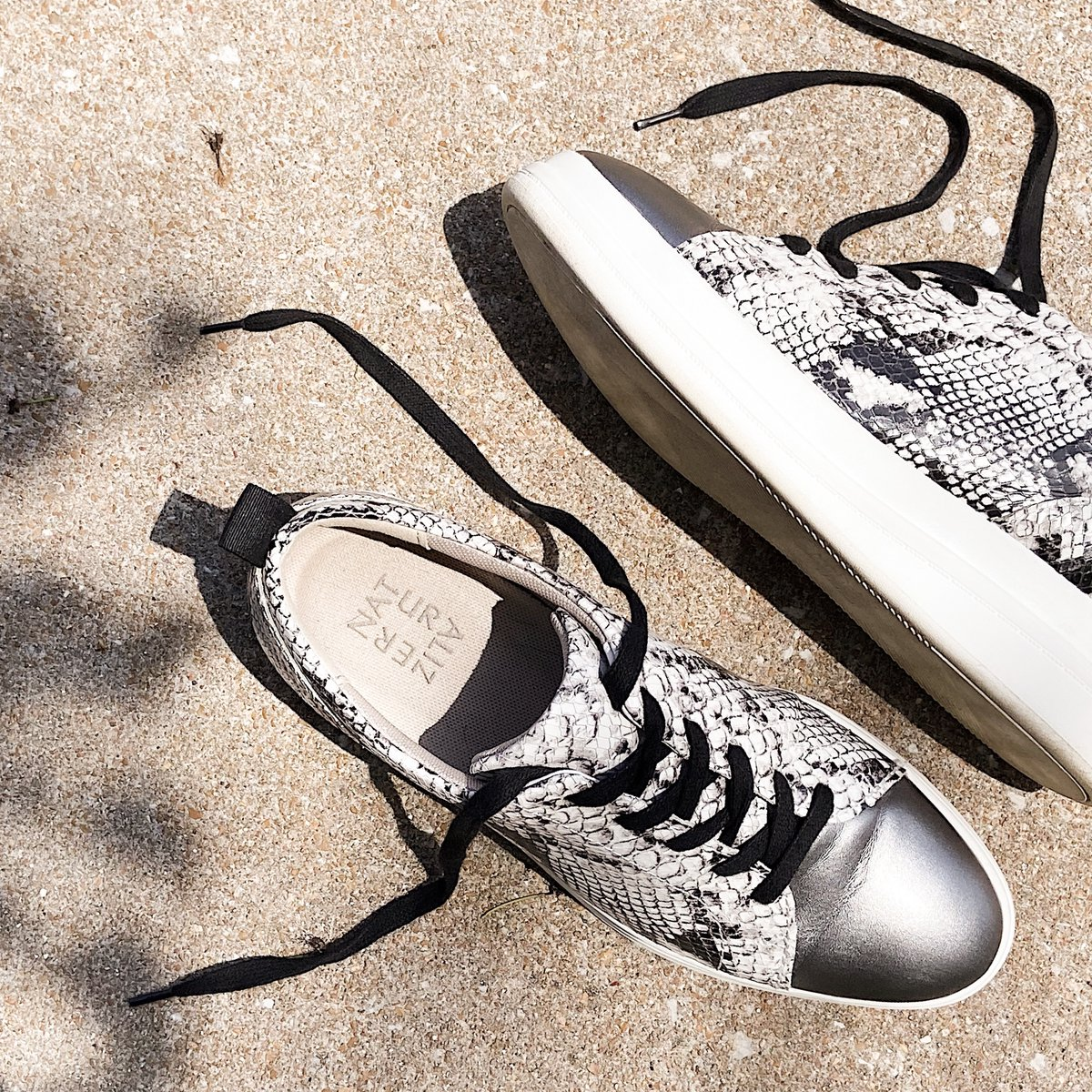 Sleek summer sneaks for your OOTD, today and every day.#Naturalizer  <!--td {border: 1px solid #ccc;}br {mso-data-placement:same-cell;}-->https://t.co/mstYekZgoa https://t.co/dHrOUzPLUS