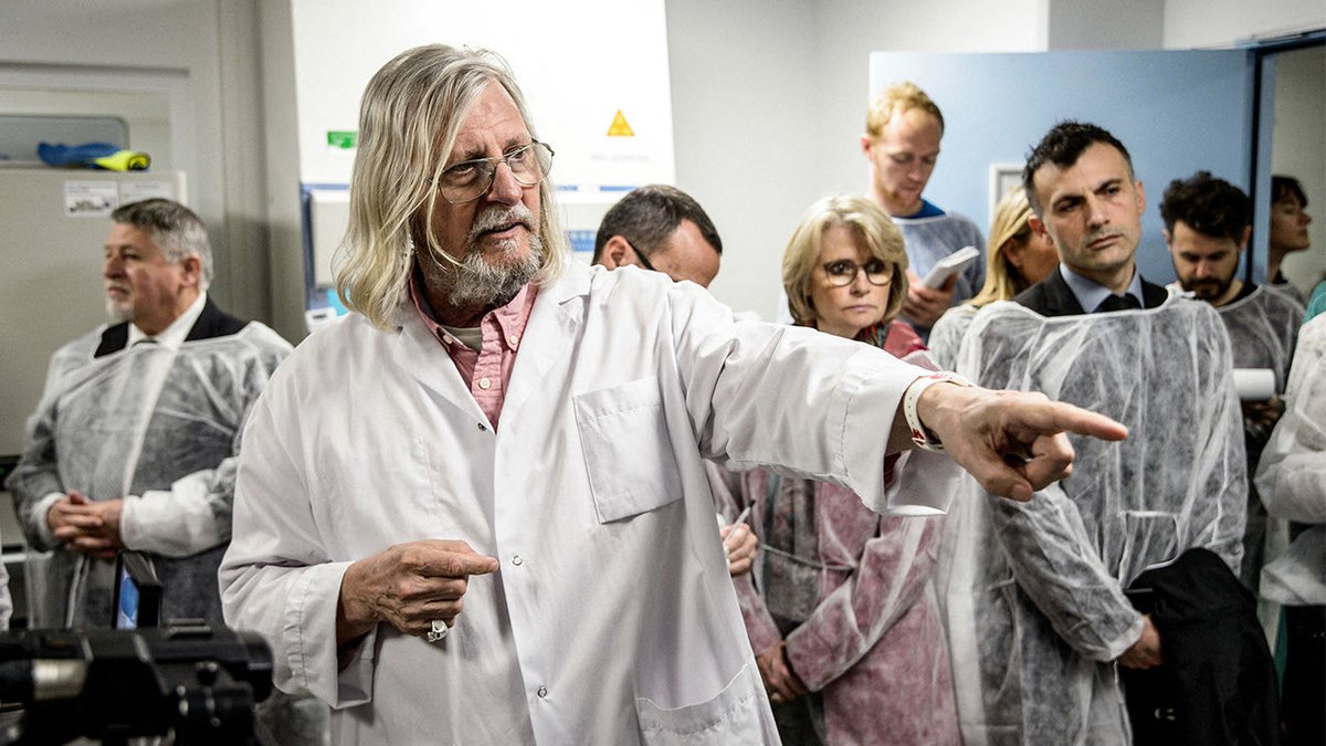 On the left: Didier Raoult, the rogue French doctor responsible for the idea that hydroxychloroquine can treat coronavirus On the right: Harold Bornstein, Trumps (former) personal physician These are, allegedly, different people.