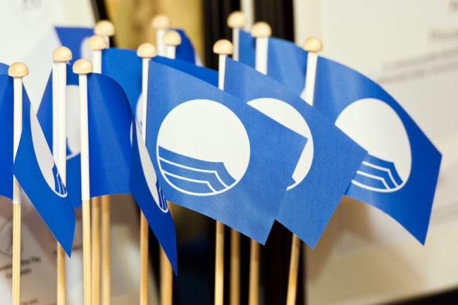 Novas praias portuguesas com galardão da Bandeira Azul  #bandeiraazul #praias #Portugal  https://polis.ciberesfera.com/novas-praias-portuguesas-com-galardao-da-bandeira-azul/…pic.twitter.com/0ZjyI6TIUA