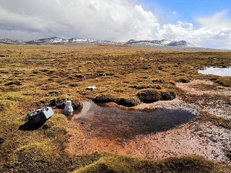 Portable Soil Respiration Chamber for #GHG made in China from Li-ca deployed at Wudaoliang, Qinghai Province. #SnapShot by scientist of Institute of Mountain Hazards and Environment,CSA.@eosensepic.twitter.com/n8VgFYunNQ