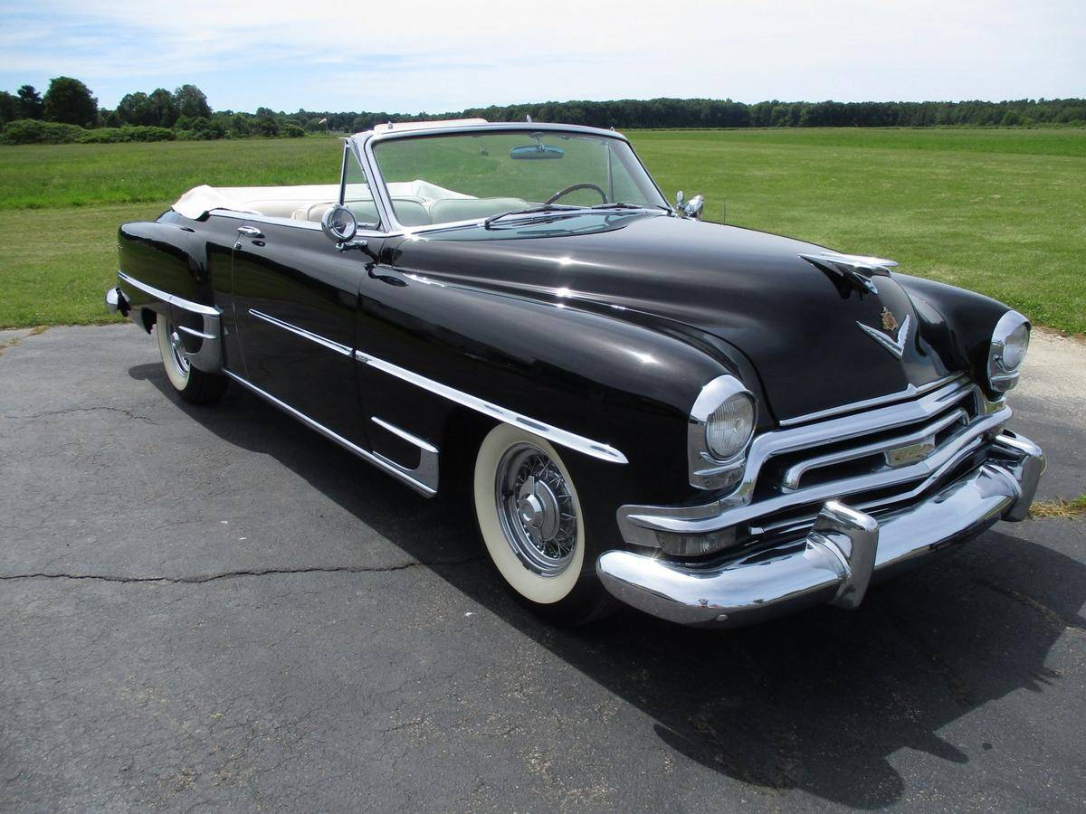 1954 #Chrysler #NewYorker #Convertible; 331 cid ohv #Hemi V-8, 235 hp; Mopar had developed a reputation as a frumpy, well intentioned member of the community. It offered all the features buyers said they wanted: safety, roominess, economy, reliability, but still market share fell pic.twitter.com/sUhTpefdD6
