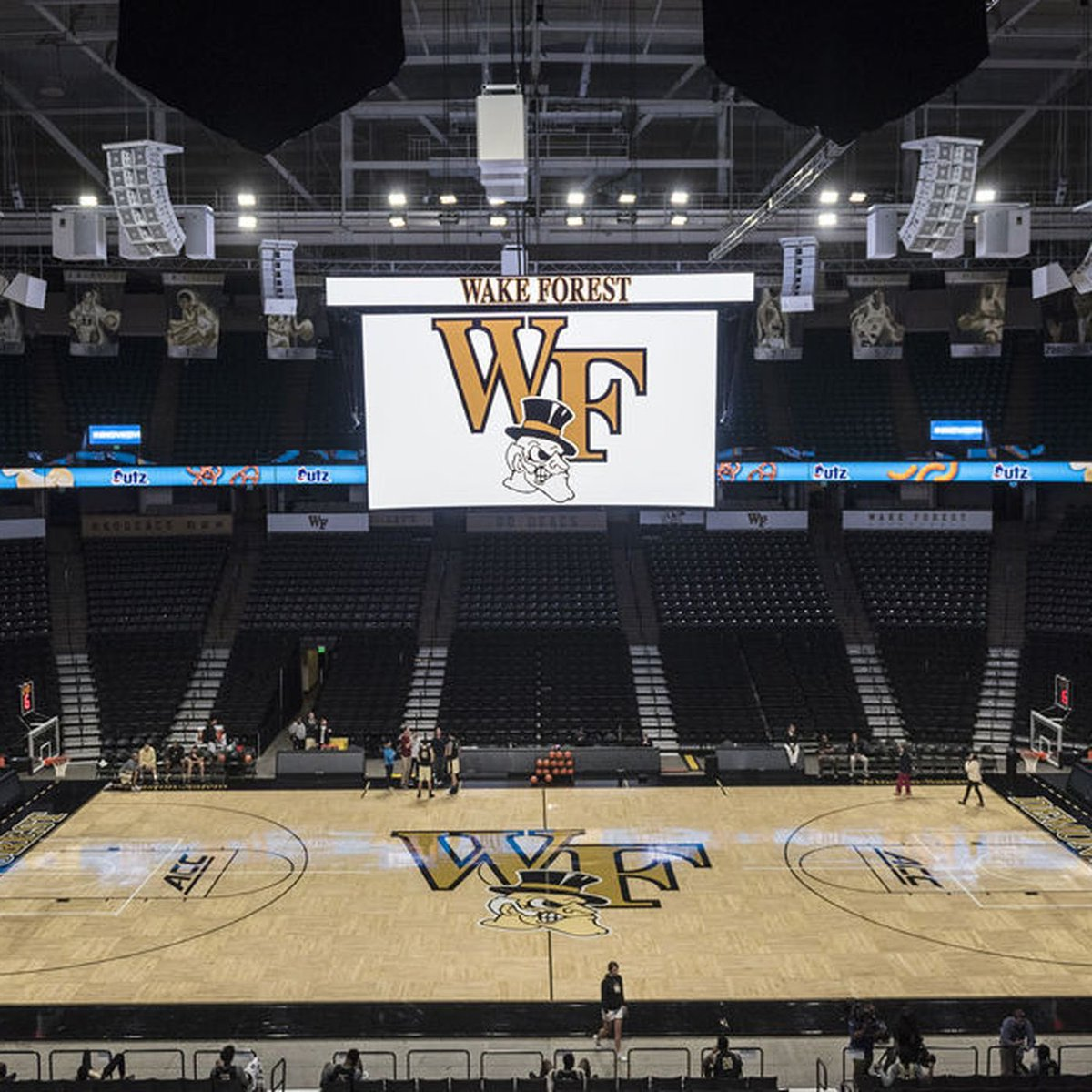 Truly blessed to receive An offer from Wake Forest University🤎 https://t.co/IkjzzFWAxO