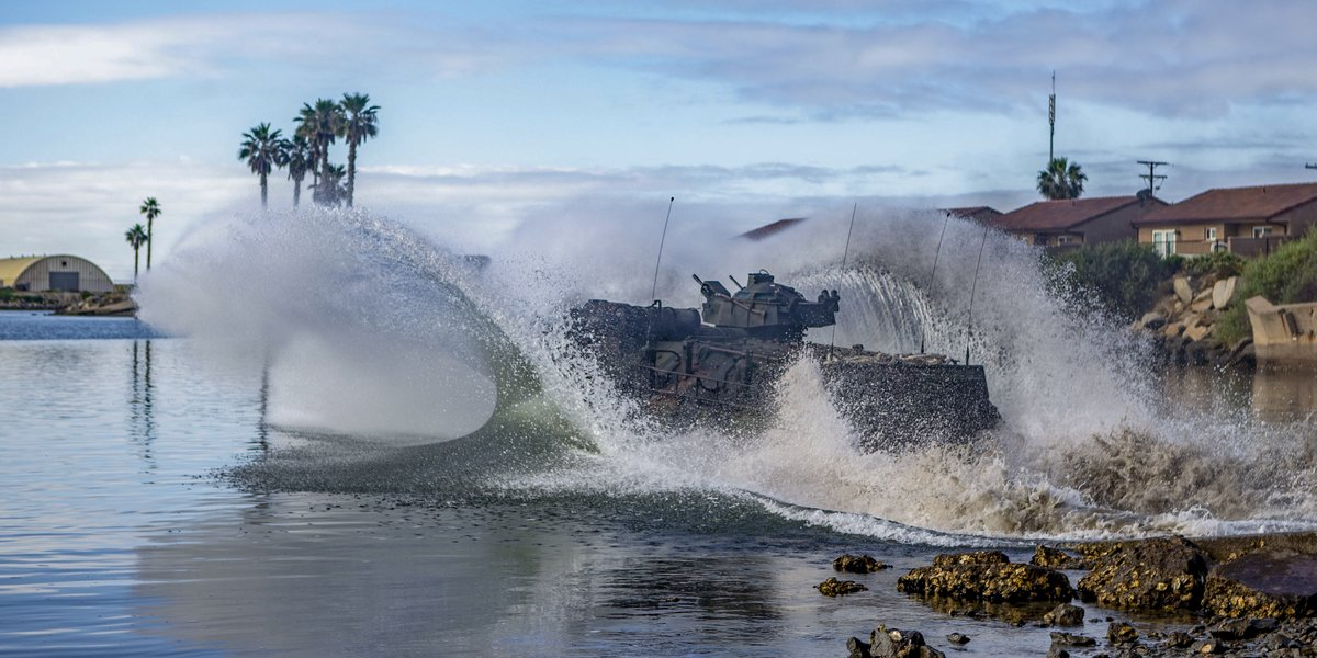 Splashdown An AAV-P7/A1 Amphibious Assault Vehicle with the Assault Amphibian School splashes into the Del Mar Boat Basin on @MCIWPendletonCA. Students are participating in a 55 day-long assault amphibian crewman course to learn how to maintain and operate an AAV.