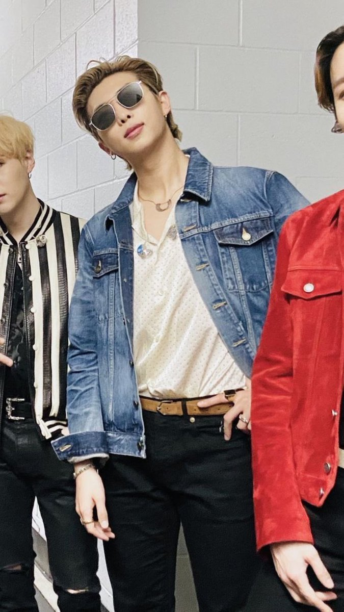 Just wanted to remind everyone that #KimNamjoon looked like this at one point and set my level of expectations for men VERY HIGH.  The denim jacket, the white shirt, the sunnies, the pushed back hair. Life. Changing. I just—@BTS_twt #bts #btsarmy #2020grammys pic.twitter.com/TsJ1jcyfOC