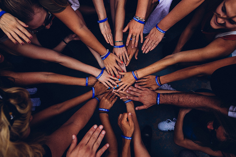 NEW BLOG: How to Create Community in an Online Course and Why It's Important https://hubs.ly/H0qqJJK0 #elearning #curriculumdevelopment #curriculumdesignpic.twitter.com/e5iiDRP4Qh