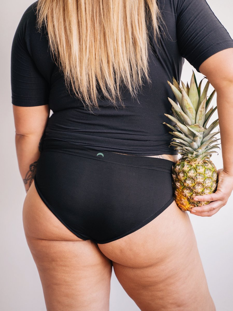 Have you figured out your fruit size yet? We're fully stocked from plum to pineapple. http://hu-ha.com  #bodyconfidencemovement pic.twitter.com/3dWByySwVi