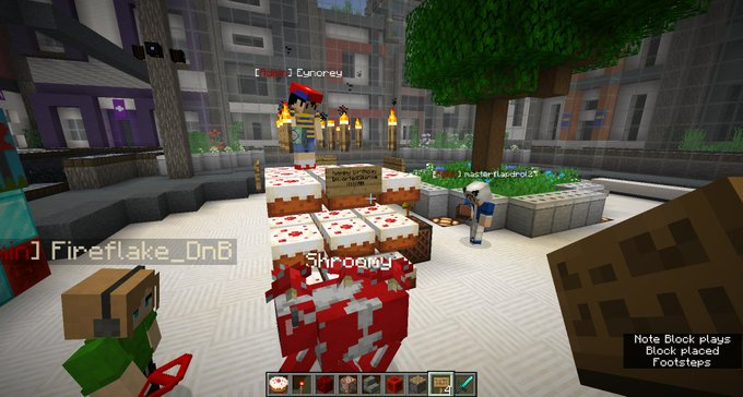 Happy birthday !! The man behind LES, sick tunes, and minecraft events. Here\s to your 20s!!