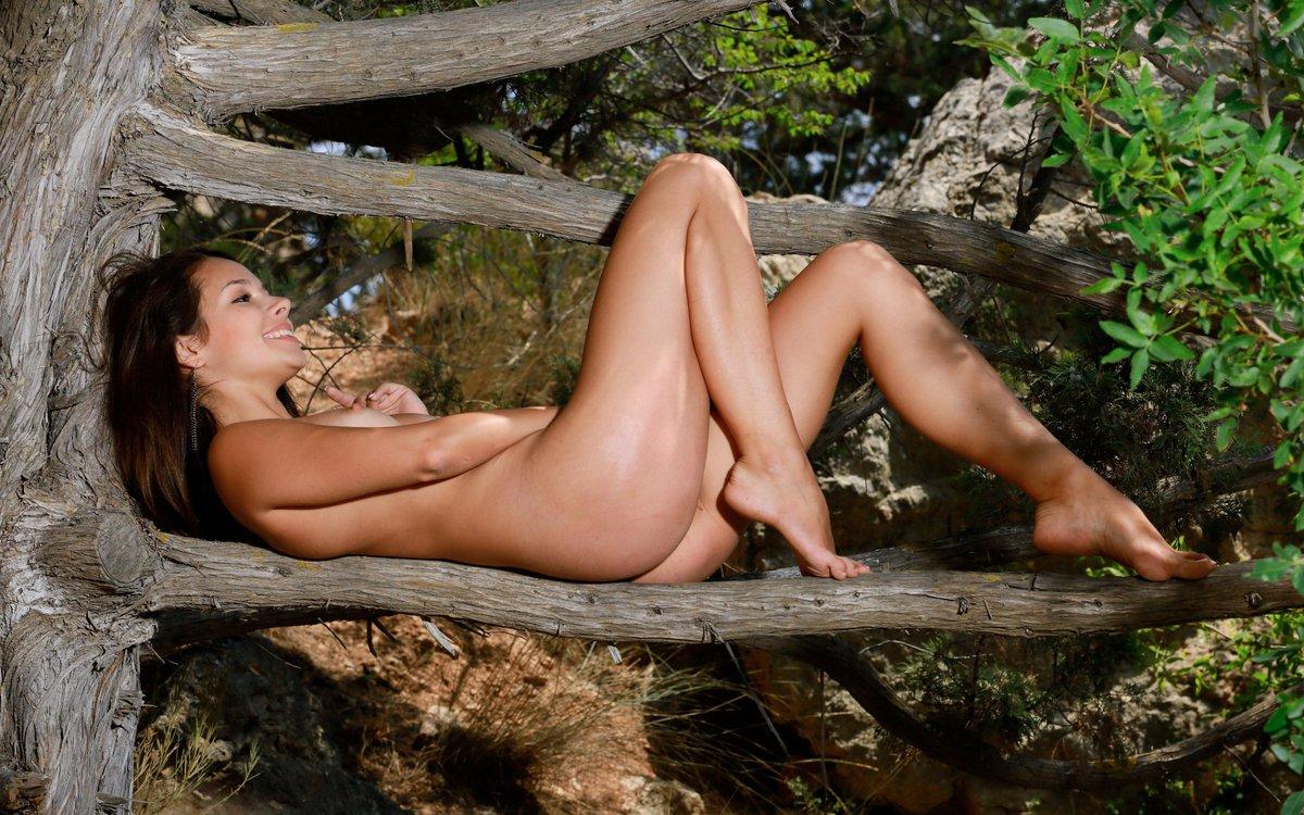 Awilda nude