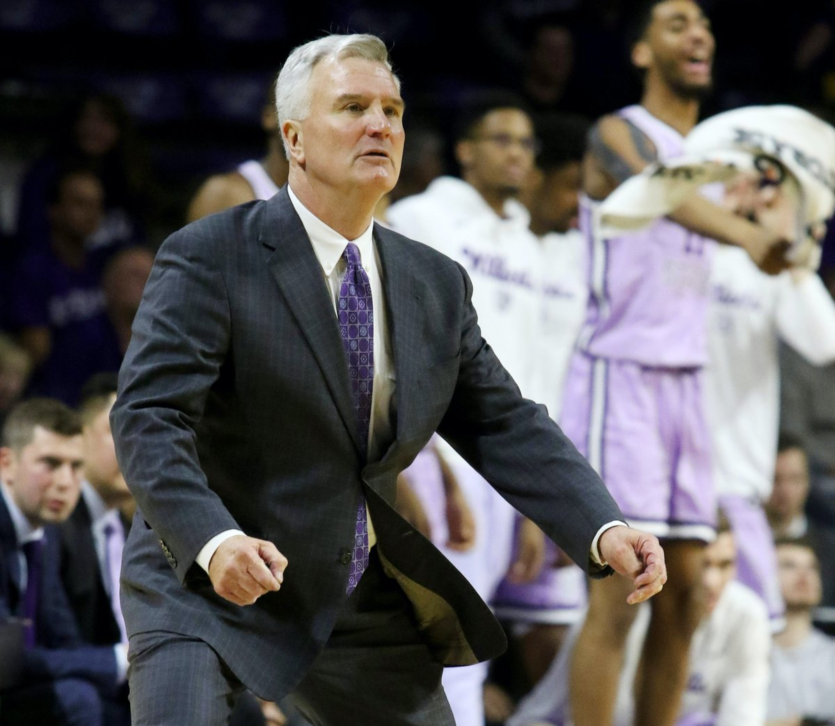 Talk about the possible Bruce Weber vs Brad Underwood matchup with the K-State community.  https:// kansasstate.forums.rivals.com/threads/2021-k c-hall-of-fame-classic-ark-ksu-cincy-illinois-king-brad-iv.120254/#post-2381881   … <br>http://pic.twitter.com/IIGADPcUS3