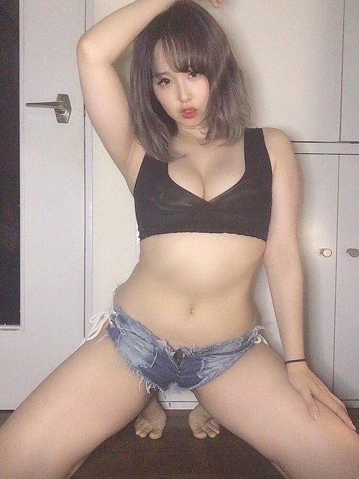 グラビアアイドル上田ミルキィのTwitter自撮りエロ画像2