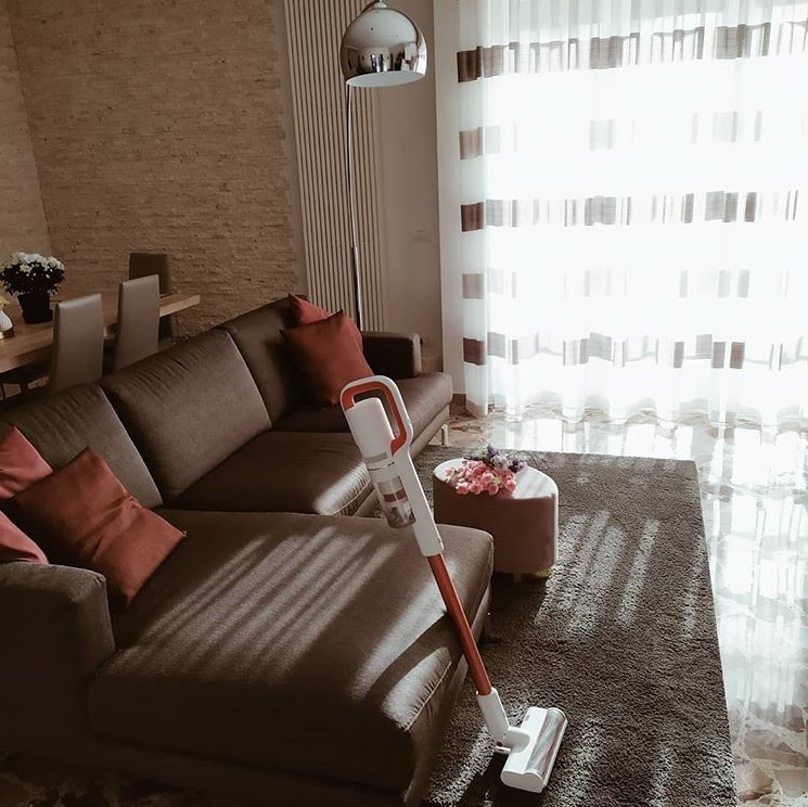 The S1 Special looking fabulous in a lovely customer's home!  #roidmi #roidmivacuums #stylish pic.twitter.com/z02adVDQUU