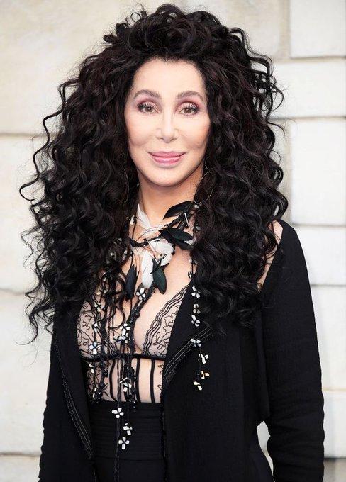 Cher cumple 74 años hoy, el mismo día que cumpleaños tú!!! Happy Birthday!!!
