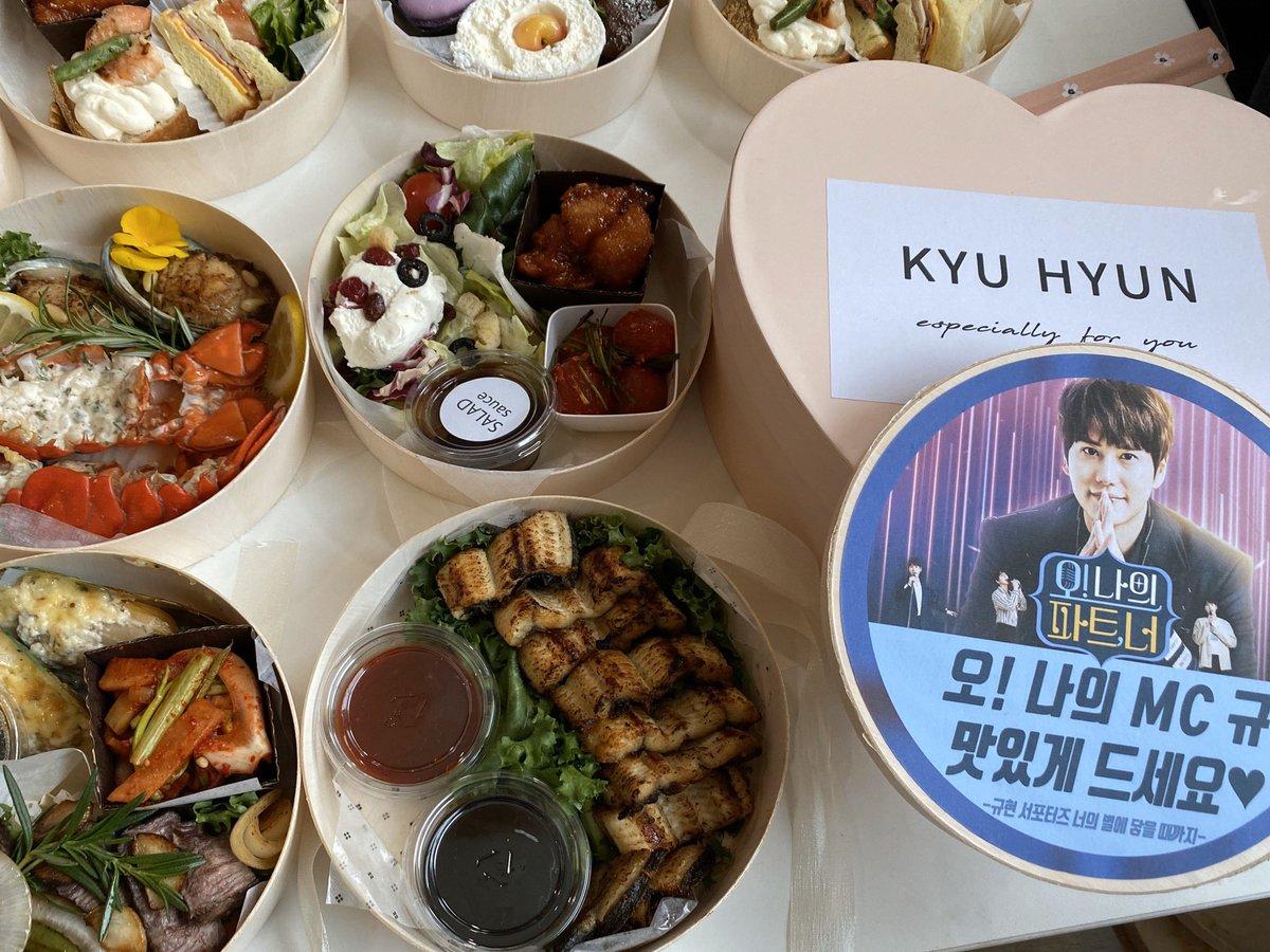 @GaemGyu (แปล) @GaemGyu OH my partner! ผมทานอย่างอร่อยเลยครับ^^ ทุกคนปลื้มใจกันเลยครับ คยูคยู^^ #OhMyPartner https://t.co/QQcww2ElXY