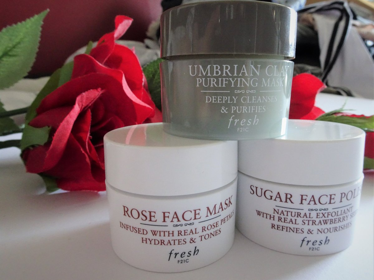 New Blog Post  Today I'm finally talking about some of the @FreshBeauty Masks I purchased in a set before Christmas.  https://sophaarambles.blogspot.com/2020/04/fresh-mini-mask-set.html…  #beauty #beautyblog #beautyblogger #freshbeauty #skincare #skincarereview pic.twitter.com/Z7tlN7RYIg