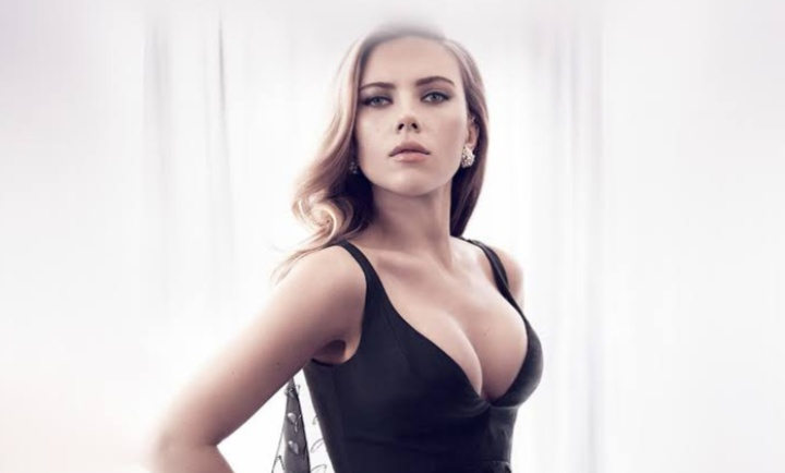 #ScarlettJohansson  Mom - Just eat it, it's not that hot Food - pic.twitter.com/wc9rpakEXQ
