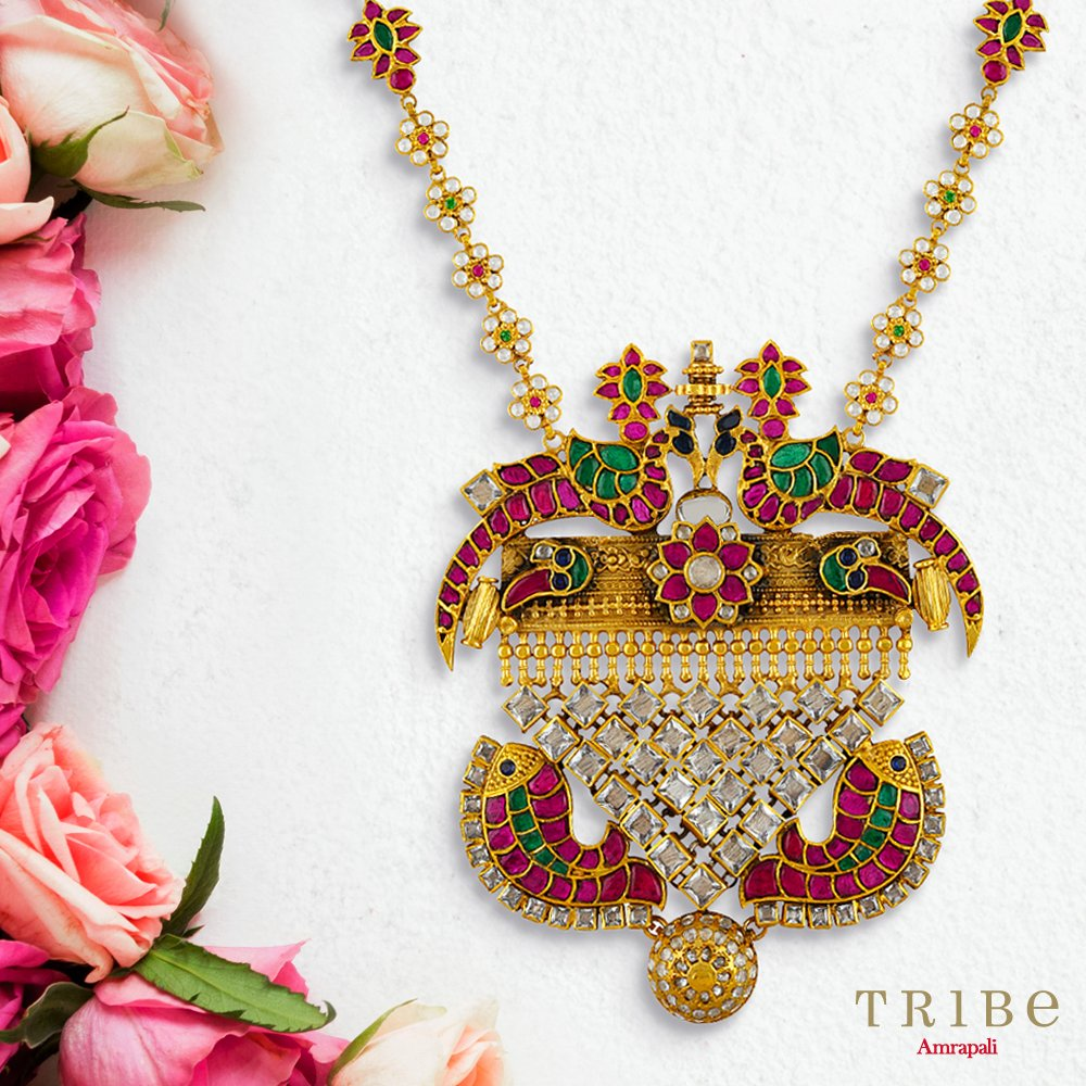Our Phulwari Collection with dancing glimmers of colourful glass and gold plated silver is sure to mesmerize you! Shop from this exquisite collection here https://bit.ly/TribePhulwariCollection…  #TribeAmrapali #Jewellery #JewelleryLove #PhulwariCollectionpic.twitter.com/WTxZyM3Mpg