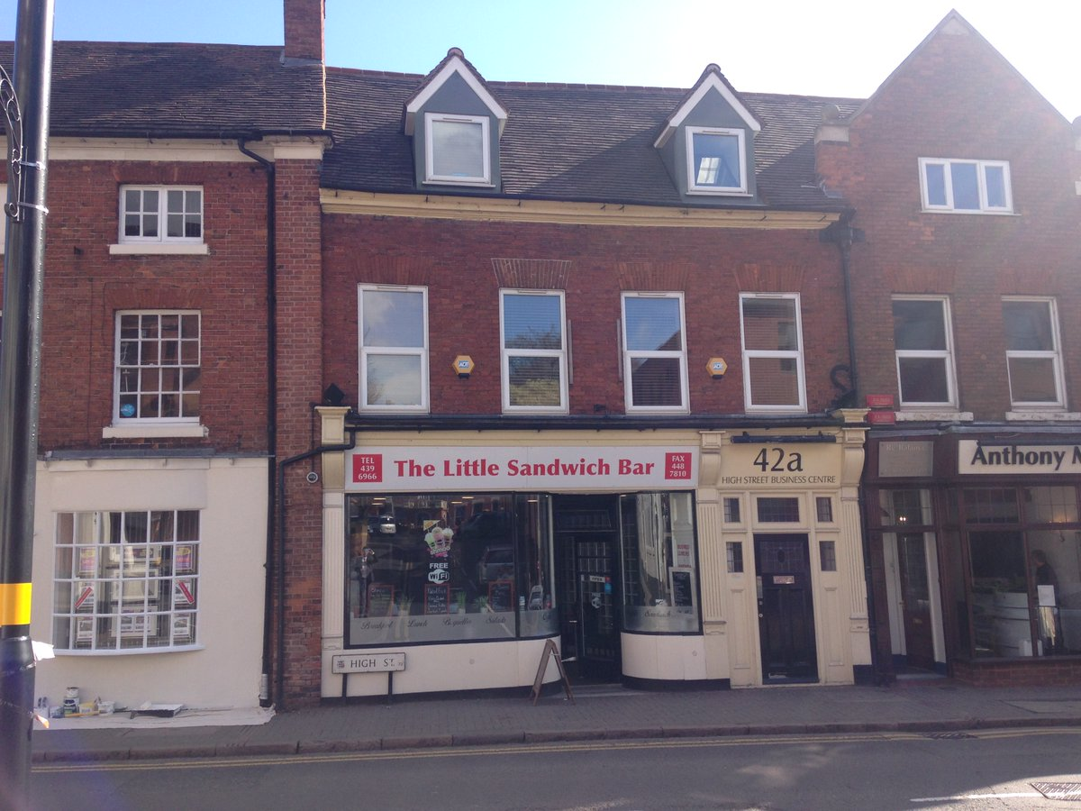 LETTING COMPLETES - Another single room office letting completes in popular business centre in #suttoncoldfield town centre. Only two rooms remaining on inclusive terms including telephone system. Flexible monthy terms. https://t.co/Ef05JF3BqP