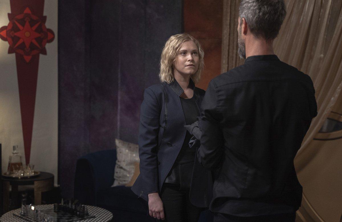 """Nouvelles photos promotionnelles de l'épisode 7x01 """"From the Ashes"""" (partie 1)  <br>http://pic.twitter.com/eoonMN9hDL"""