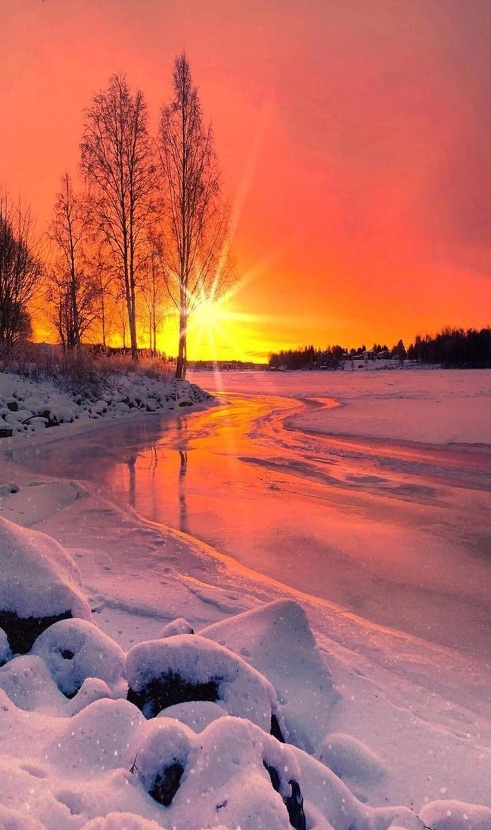 Good evening everyone. #sunset #sunsetphotography pic.twitter.com/Kb09JrEPu8