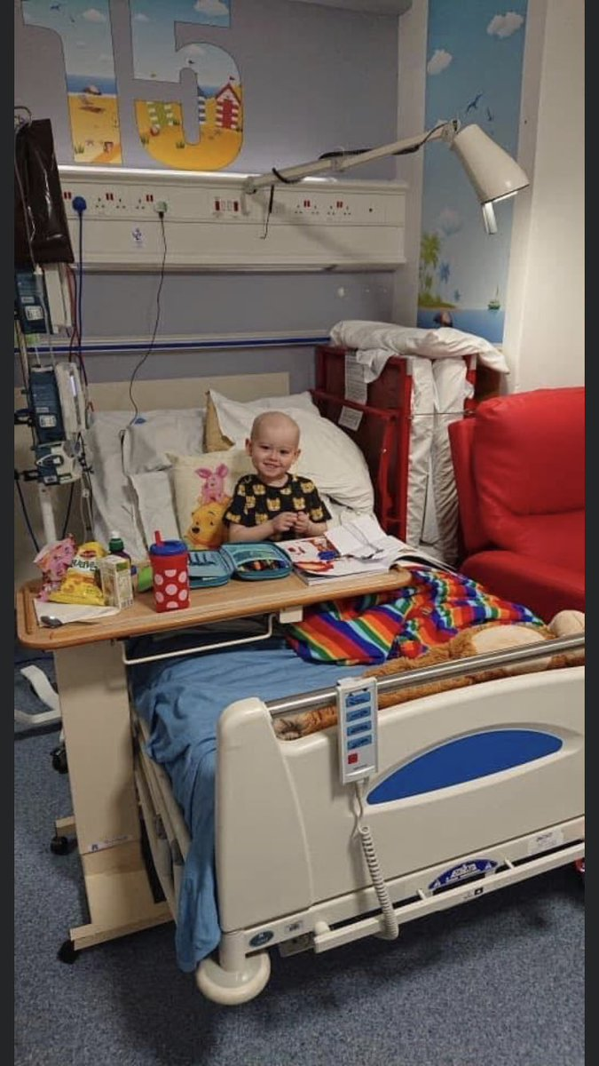 Today is a day of delivering the charity cupcakes  #fundraising #OliversArmy £133,000 raised.. £97,000 to go! You will get better beautiful boy pic.twitter.com/kBTBfHtX4W