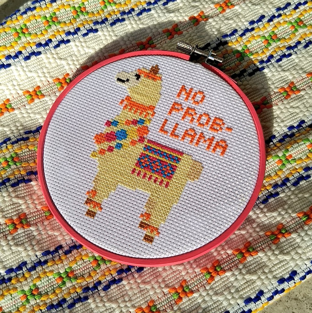 Pattern by The Stranded Stitch.#crossstitch #llama #craftypic.twitter.com/rOuEEOn66r