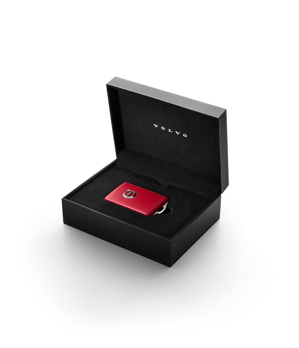 """Bezpieczeństwo? Powiedz """"tak"""". Pożyczając auto, możesz określić maksymalną prędkość za pomocą kluczyka Red Key. Tylko w maju kupisz go z korzyścią 20%. https://t.co/58hy0AEDYM"""