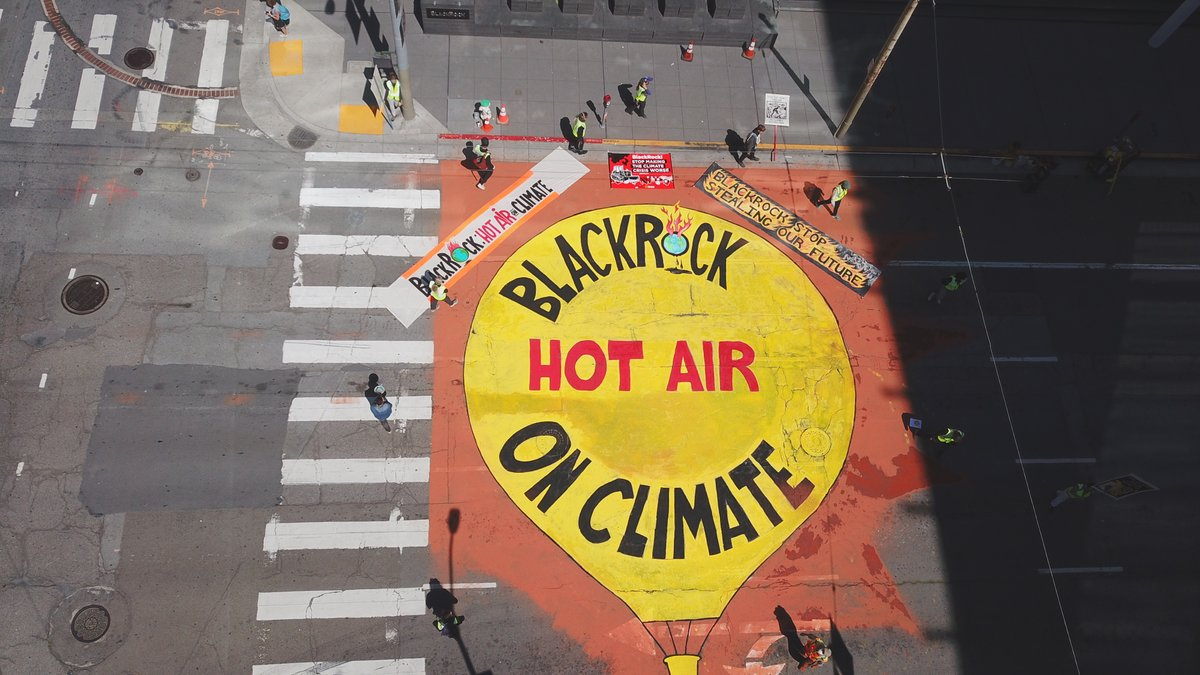 Amazing art action in #SanFrancisco in front of #BlackRock offices to tell them they are full of hot air on #climate - other actions in Brussels, London and NYC! #BLKHotAirOnClimate #BLKBigProblem Send your message to BLK now: blackrocksbigproblem.com/hot-air