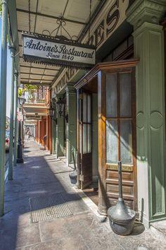 notte #NewOrleans French Quarter Restaurant Since 1840 pic.twitter.com/QKcsiuthFt