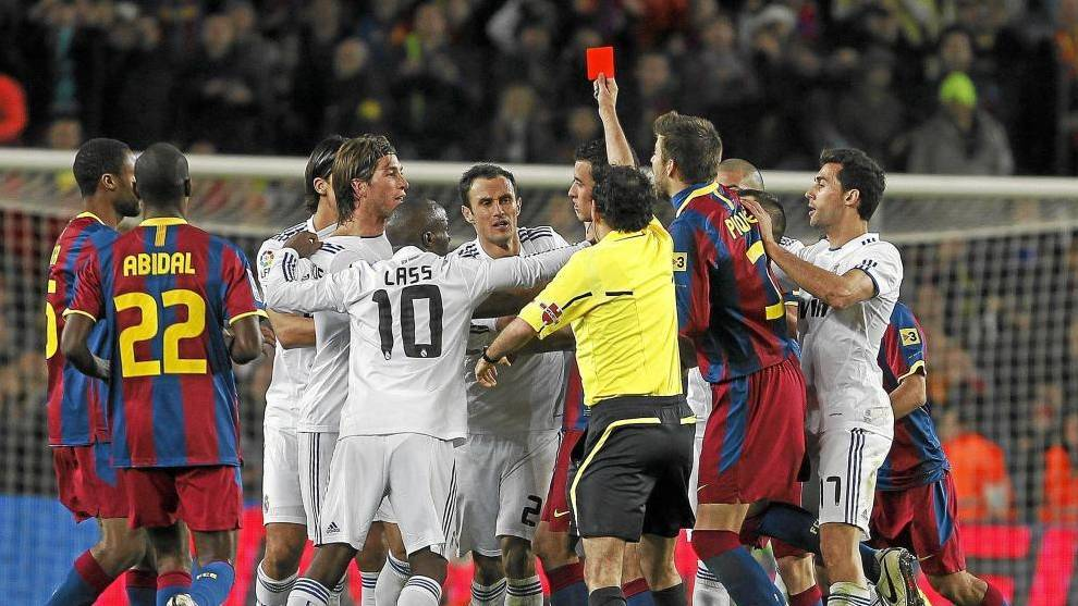 """😳 Iturralde González(Former Liga referee): """"90% of the referees are from Madrid, 10% from Barça."""" [marca]"""