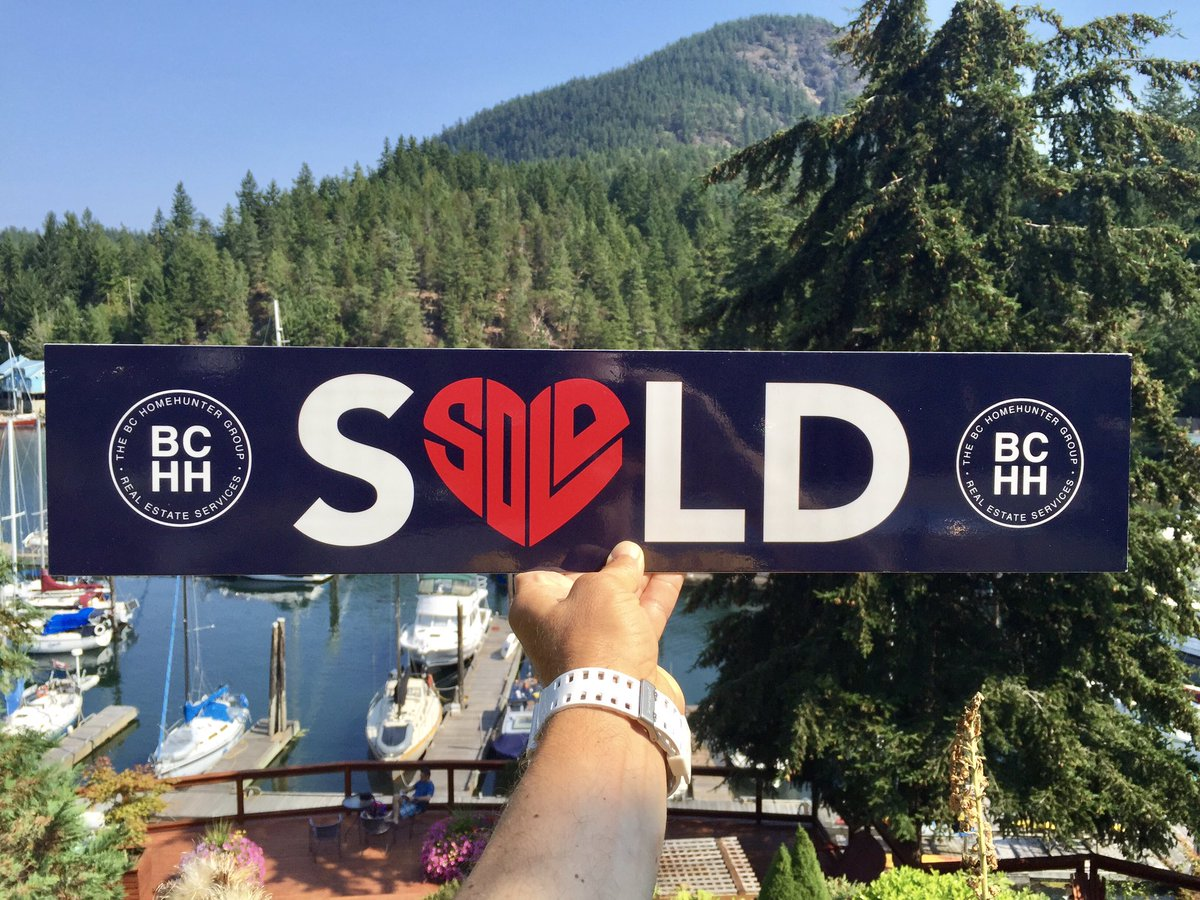 THE #BC HOME HUNTER GROUP Big thank you to our wonderful clients Liza & Mark for your thoughtful #PenderHarbour, #SunshineCoast home referral, $1000! #Vancouver #WestVan #NorthVan #SeatoSky #WhiteRock #FraserValley #VancouverIsland #Okanagan #WestCoast #BCHomeHunter #WeSellBC https://t.co/hCcTDkSBM9