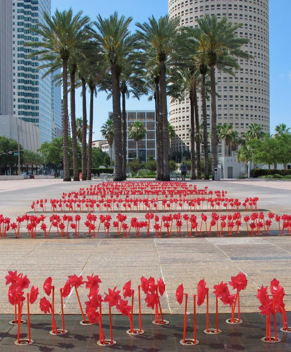 The F. E. Lykes Foundation has created a colorful pop-up art installation at Curtis Hixon Waterfront Park to lift our community's spirits and add beauty along Ashely Drive. Check out this beautiful display!❤️ https://t.co/HmgWRGQxUI