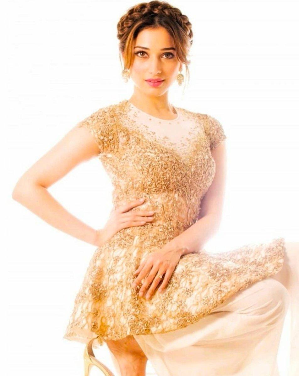 #TamannaahBhatia #BeautifulActress #BollywoodActress Tamannaahpic.twitter.com/CmBCO0JHX9