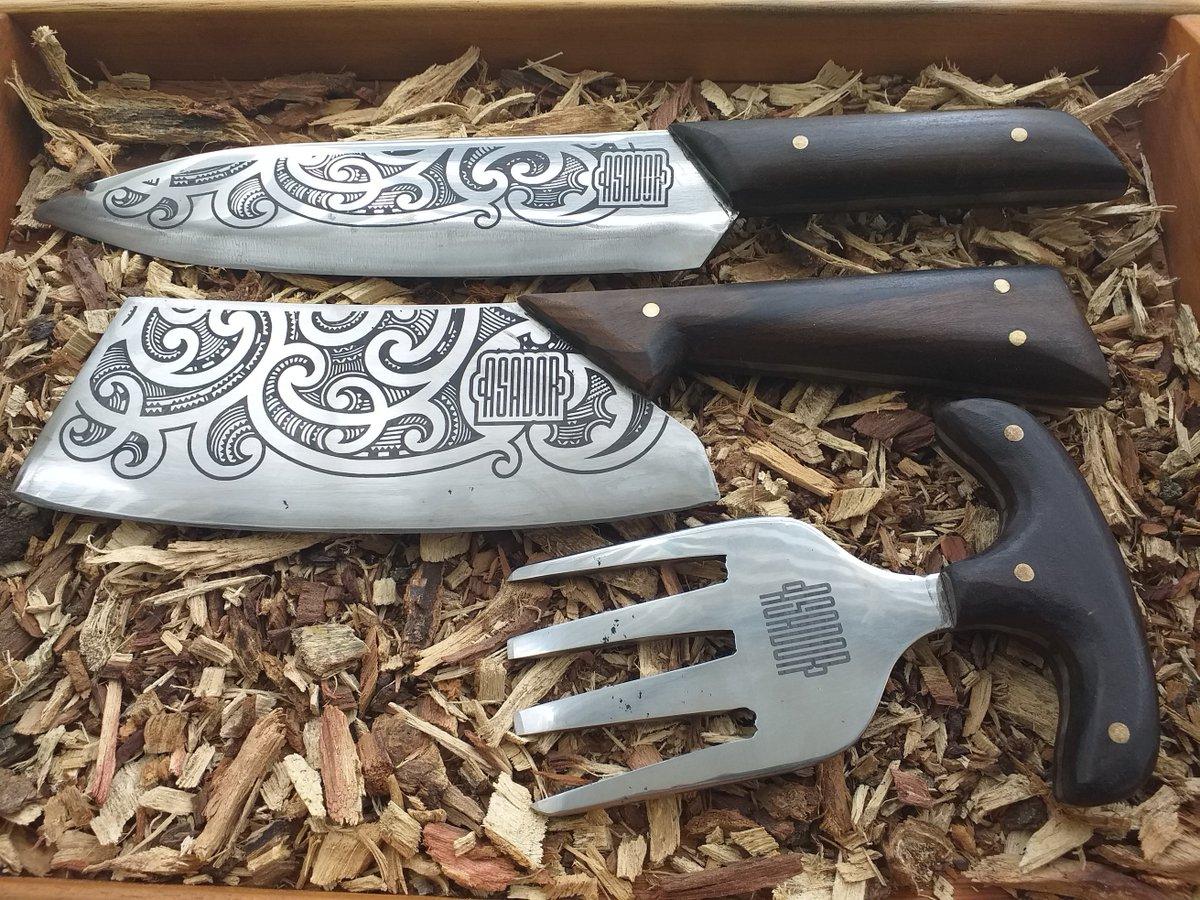 Handmade set by Asador  #asado #parrilla #accesorios #bbq #grill #bolivia #churrasco #cuero #atesanal #quedateencasa #cuchillos #knife #axpic.twitter.com/SYozGOgrpo