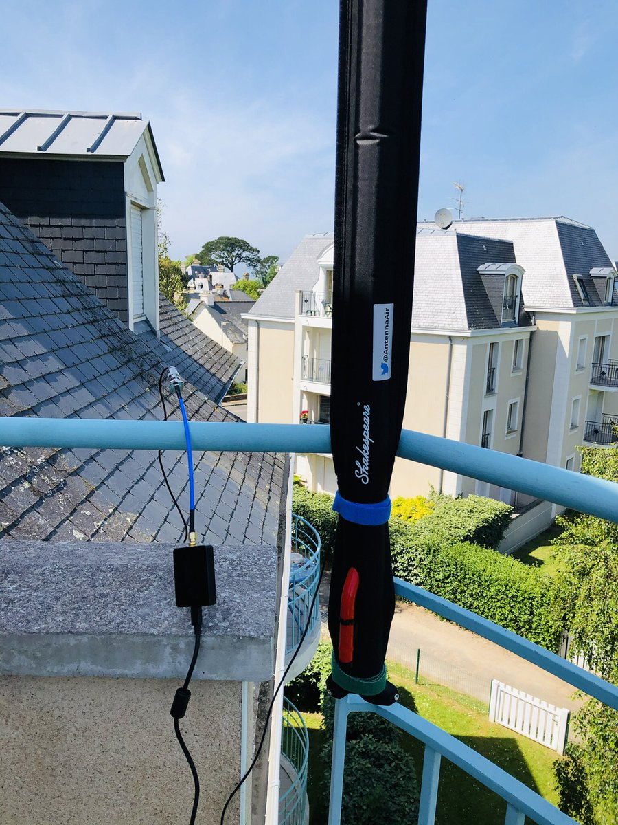 Another very good ATIS performance with @AntennaAir #BlackKnight and this time with #AirspyHF ! Airport is 39NM away... 3rd floor but performance compares with dedicated airband #Diamond D777 on the roof. pic.twitter.com/OtQBnfkaJo