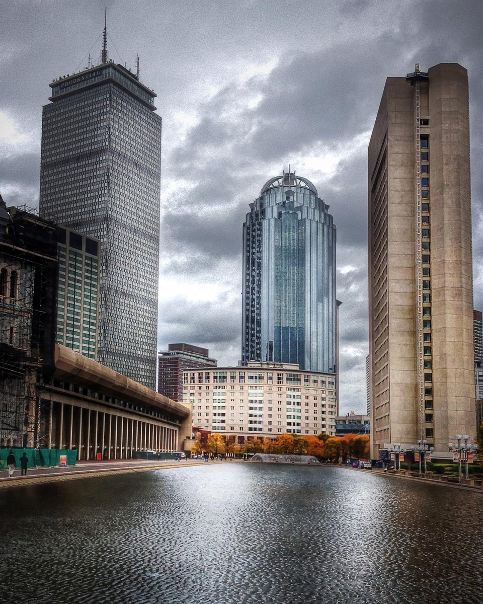 The Reflecting Pool at #ChristianScienceCenter #PrudentialTower #Boston pic.twitter.com/Sn07F4bLob