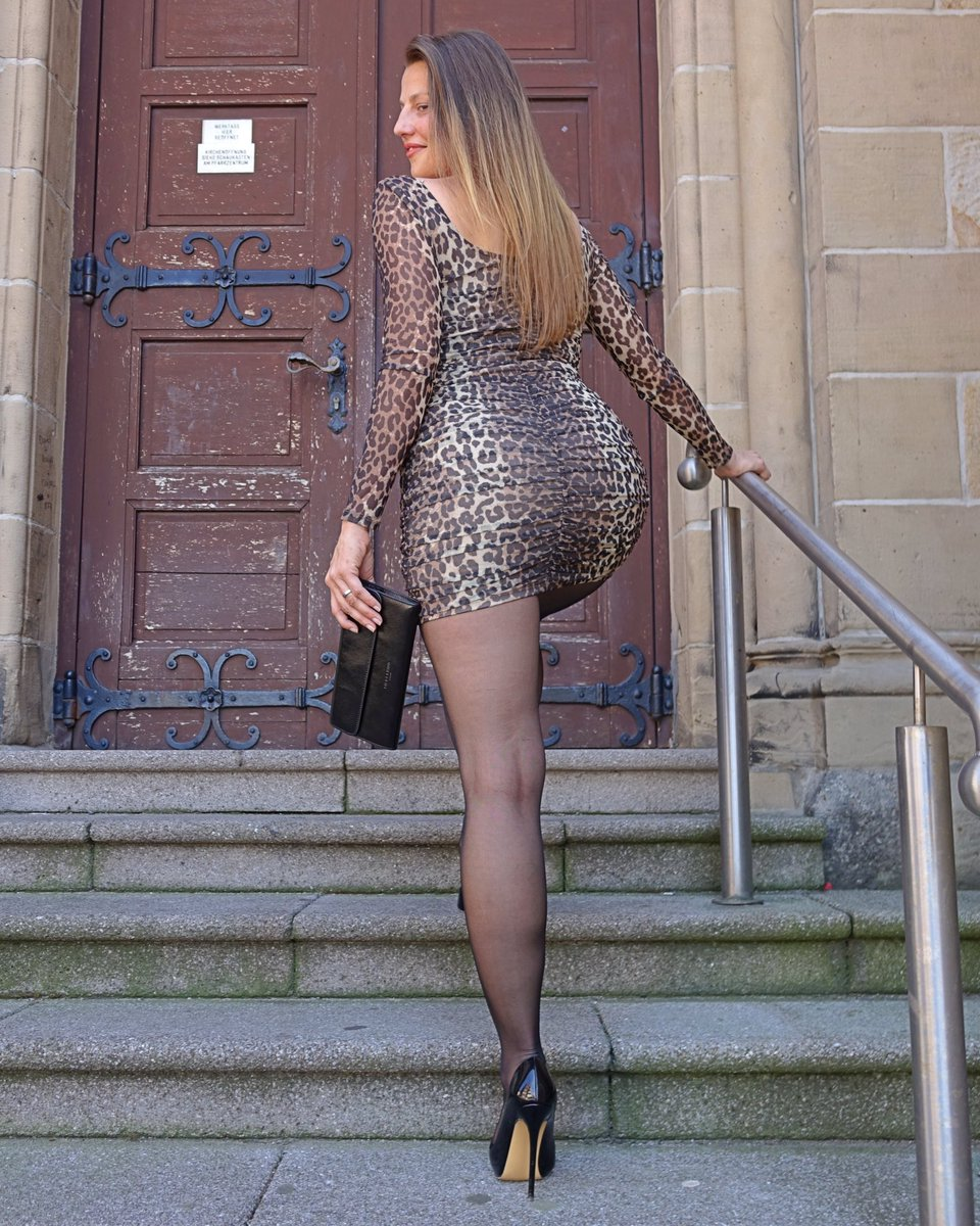 To all the daddy's out there: HAPPY FATHER'S DAY 💋  #femininstyle #mylooktoday #minidresses #leoprintdress #highheels #stilettoheels #pantyhosefashion #fashiontights #greatlegs #beautiful #fashionlegs #mystylerocks #mylookoftheday #leoprint #happyfathersday #legslegslegs #style