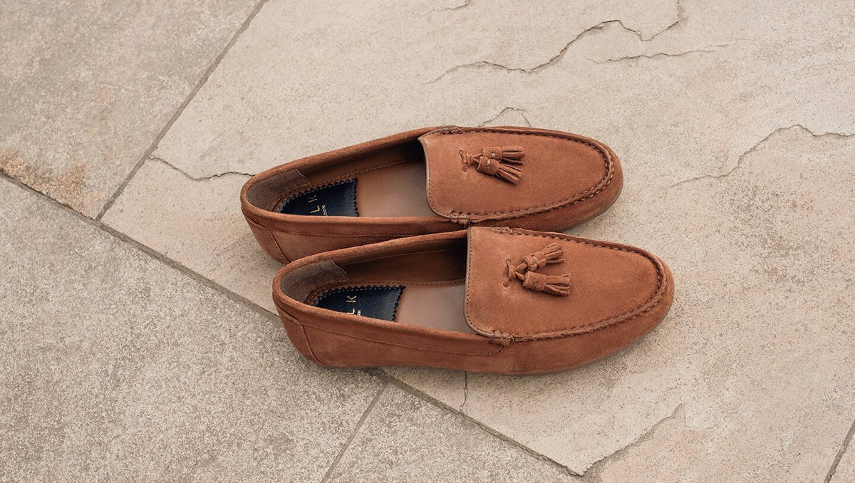 With the summer just round the corner, our Albert driving loafers are the perfect addition to your summer wardrobe. #driverloafers #drivingloafer #tansuede #walklondonshoes ⁠#mensloafers #loafershoes #mnswr #shoestagram #classicmenswear #classicmensshoes  https://soo.nr/ELg2 pic.twitter.com/ERnvqwmggN