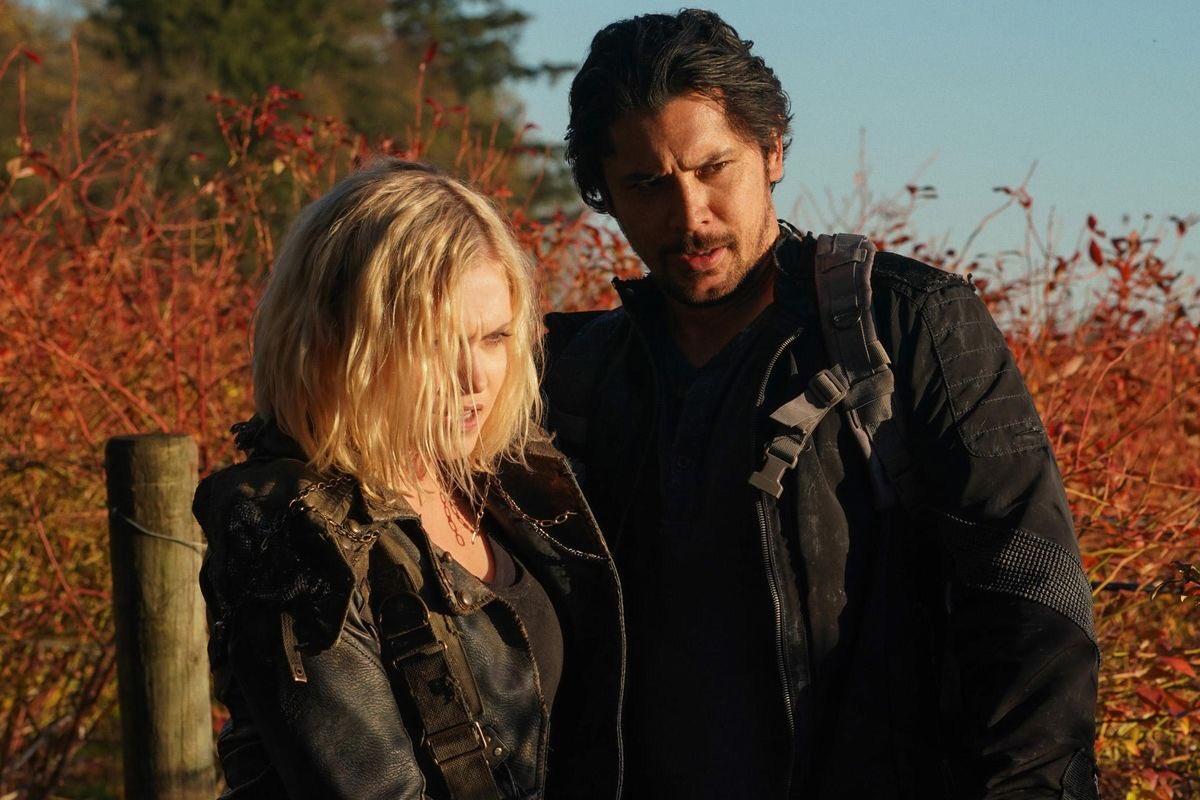 they're together in books, married in real life I THINK ITS HIGH TIME FOR BELLARKE #The100 <br>http://pic.twitter.com/G970KZkKFX