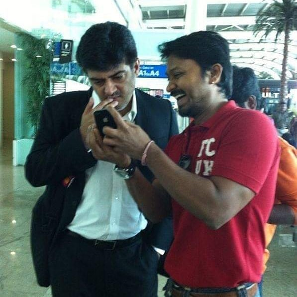 Thala Ajith Unseen Picture With @Actor_Krishna ❤️😍  #Valimai :-) https://t.co/qtbRyFWVYv