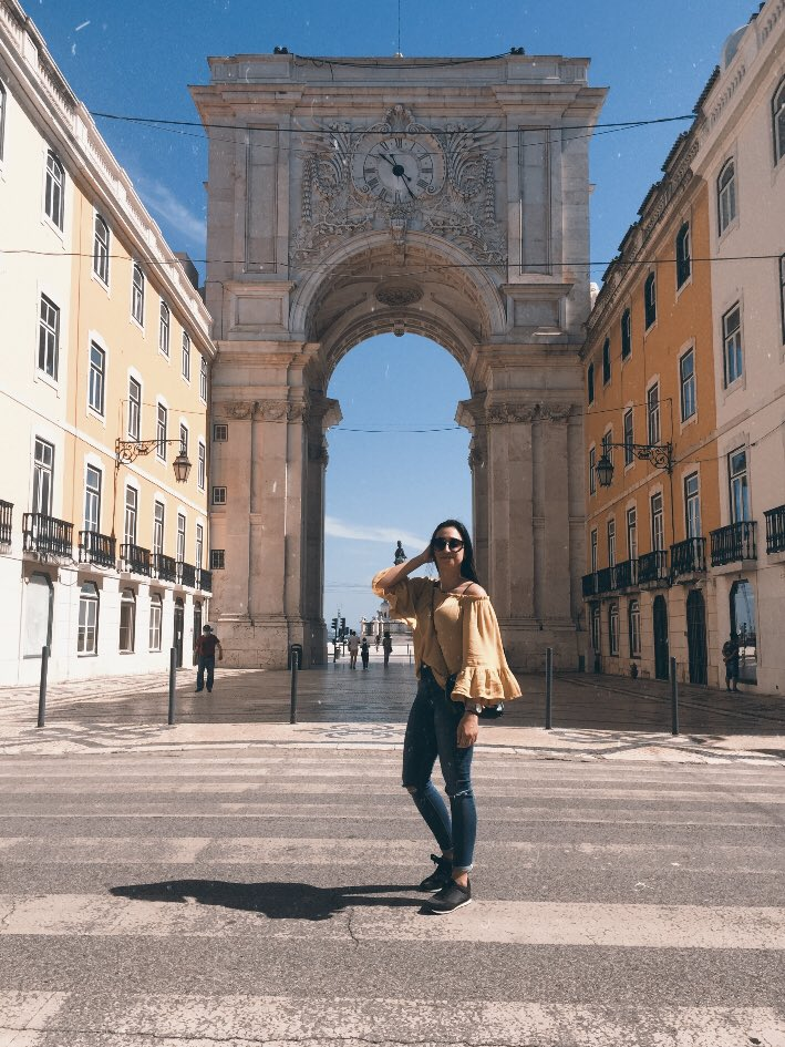 first real walk around the city post-quarentine hit differently #lisbon  pic.twitter.com/WkRT7nUYHe