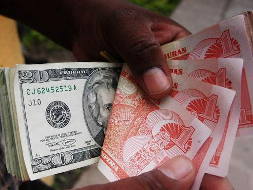 Más de 1.150 millones de lempiras ha ganado el BCH con devaluación: Bueso Arias https://bit.ly/2WPg4Jt #DineroHN #Honduras #Economia #BCH #Devaluacion #Monedapic.twitter.com/CSadbM9XB9