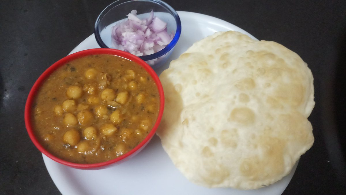 Tell me a meal that is more orgasmic than #ChholeBhature...  #Dinner tonight  And you? pic.twitter.com/hfpmUJsJ8N