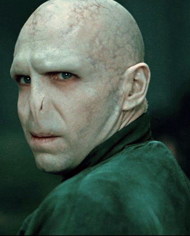 [THREAD] Histoire de Voldemort. <br>http://pic.twitter.com/UhV0u3jX1m
