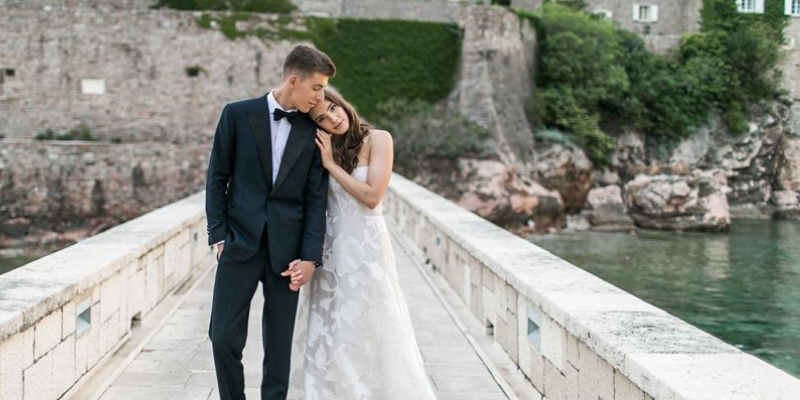 Dreamy, wedding memories, we can't go right now but we can dream! Photography by Scott Clark Photography.   #instagood #beautiful #photography #style #romantic #amazing #weddingcouples #wedding #lizmooreweddings #instafashion #travelphotography #instacool #weddingmomentspic.twitter.com/yVwDQougKW