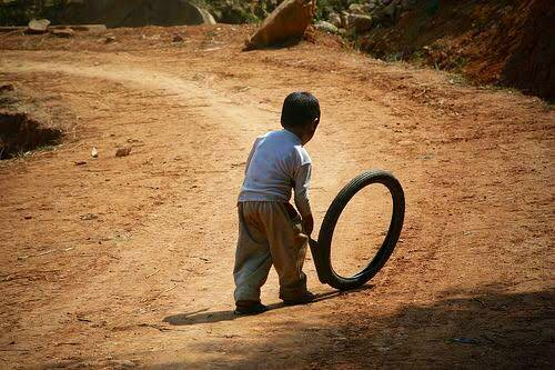 Oya, come and confess:   Did you ever roll tyre?  Yes = Retweet  No = Like https://t.co/NXmx9V9NA9