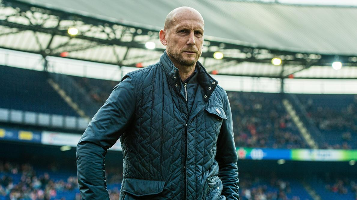 """BREAKING: Jaap """"Tywin Lannister"""" Stam hired as the new head coach of FC Cincinnati. #FCCincy  """"The Lion does not concern himself with the opinions of sheep."""" 🦁👑 https://t.co/z2T2PWgZYC"""